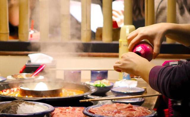 如何让自己开的火锅店在竞争市场中脱颖而出